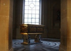 внутри Собора Дома Инвалидов в Париже
