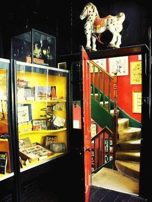 Pollocks Toy Museum посмотреть с детьми в Лондоне