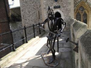 Тауэр фото - фигура рыцаря на башне