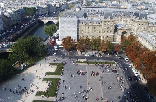 Фото - вид на площадь перед Собором Нотр-Дам