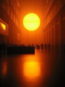 Галерея Тейт Модерн в Лондоне (Tate Modern)  солнце
