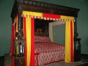 Victoria and Albert Museum «Great Bed of Ware» - «Большая кровать»