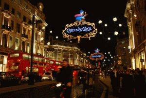 christmas street london Канун Нового года Елка на Трафальгарской площади