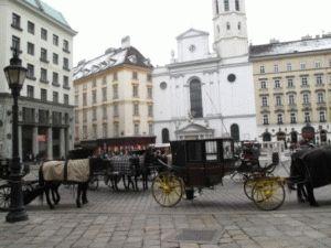 Что посмотреть с ребенком в Вене фиакры фото