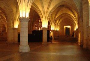Зал стражи (Salle des Gens d'Armers) в Консьержери, Париж