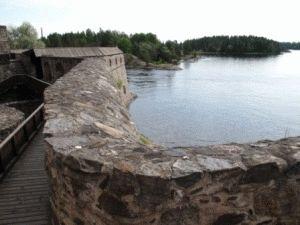 Savonlinna Olavinlinna Удачное расположение между озёр Сайма