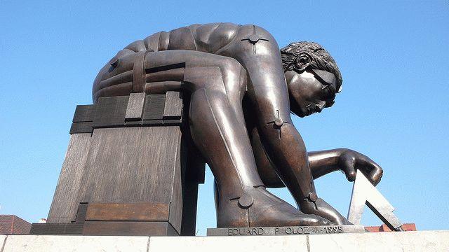 Исаак Ньютон – любимая тема скульптора Паолоцци