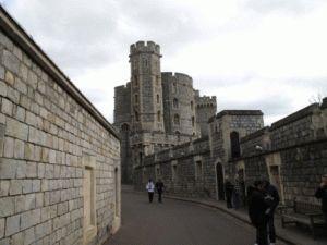 Замок Виндзор (Windsor Castle) – загородная резиденция королевской семьи в Лондоне