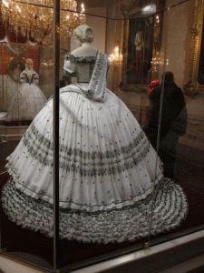 платье императрицы Сиси в Хофбурге фото
