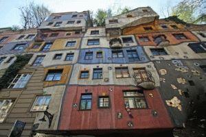 Hundertwasser дом Хундертвассера в Вене фото