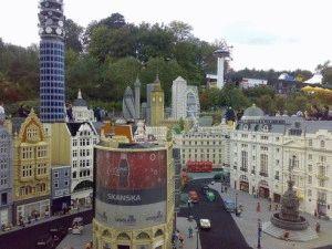 Legoland miniland копии зданий из конструктора Лего фото