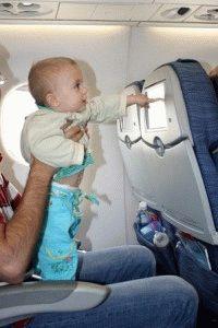 с ребенком до года в самолете фото