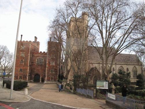 Старое аббатство на южном берегу Темзы напротив Парламента