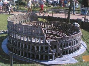 Италия в миниатюре Колизей фото