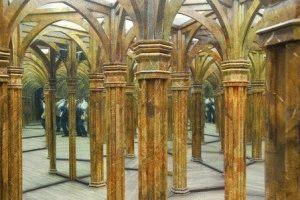 Зеркальный лабиринт в Праге фото зеркала