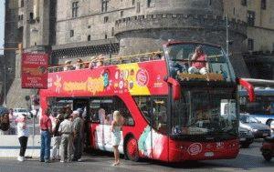 napoli bus туристический экскурсионный автобус в неаполе италия