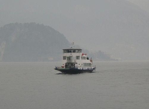 озеро Комо кораблик фото