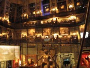 фигура Молоха в музее кино Турин фото