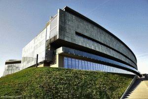 Музея Автомобилей в Турине как добраться здание фото