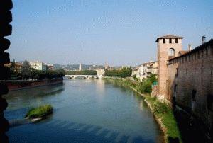Верона река фото Италия