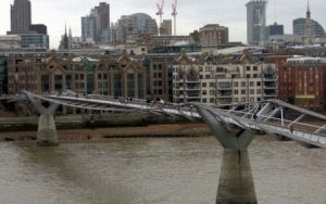 Millennium Bridge London Миллениум мост Лондон фото