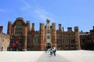 дворец Хэмптон Корт фото лондон
