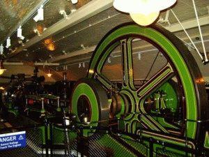 В Музее Тауэрского моста паровые машины фото