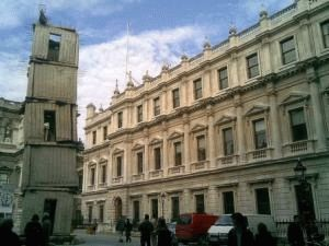 Королевская Академия художеств Лондон фото
