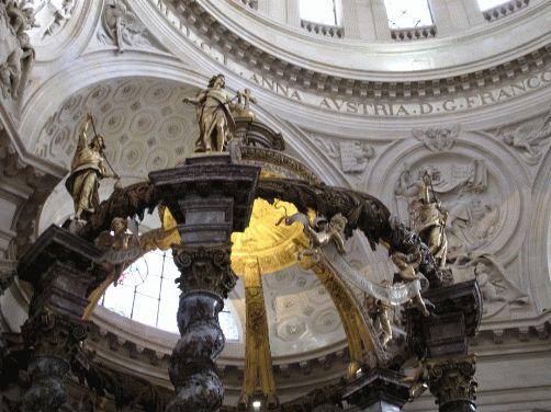внутри церкви валь-де-грас париж фото