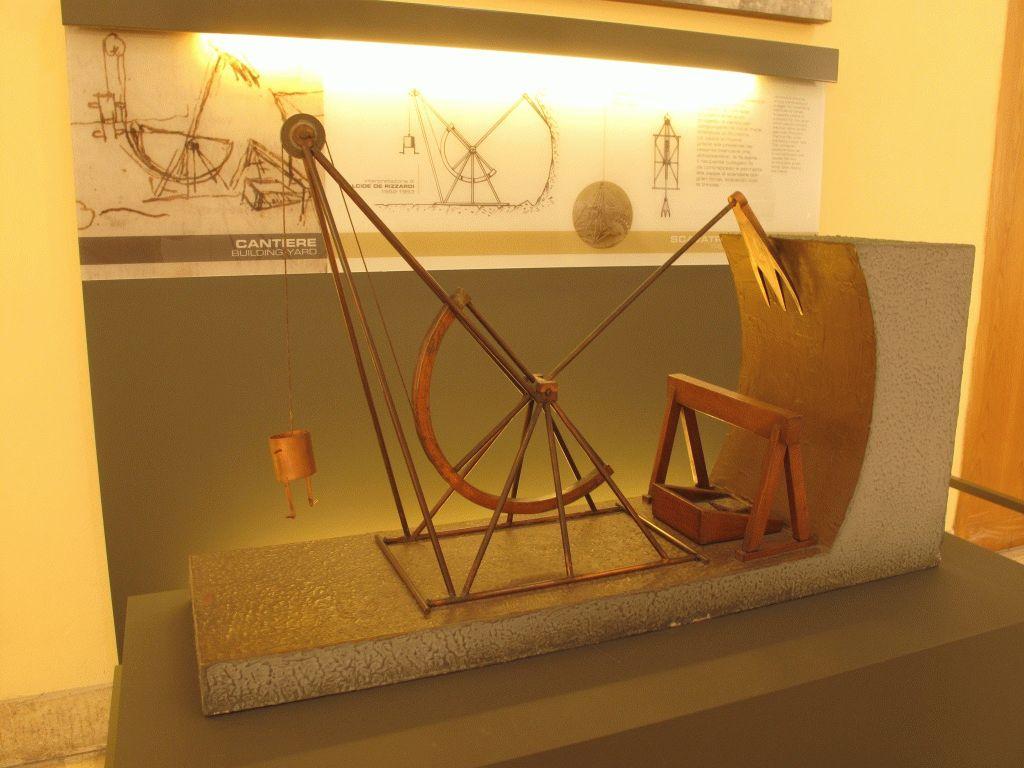 модель экскаватора Леонардо да Винчи фото