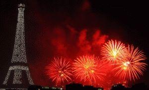 салют День взятия Бастилии Париж фото