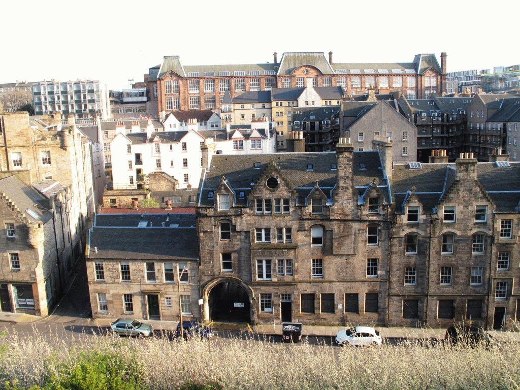 Фото с Эдинбургского замка на старый город