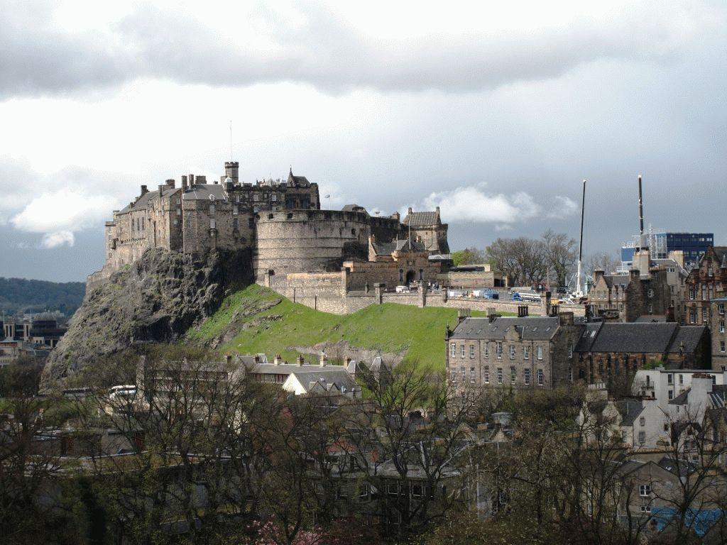 фото на замок в эдинбурге