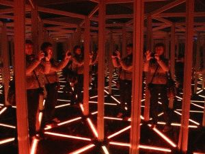 зеркальный лабиринт фото