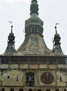 башня с часами город Сигишоара фото