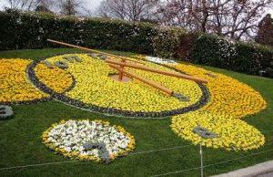 цветочные часы в Женеве фото