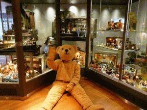 Музей кукол Базель фото