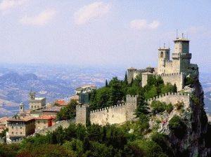 замок Сан Марино город фото