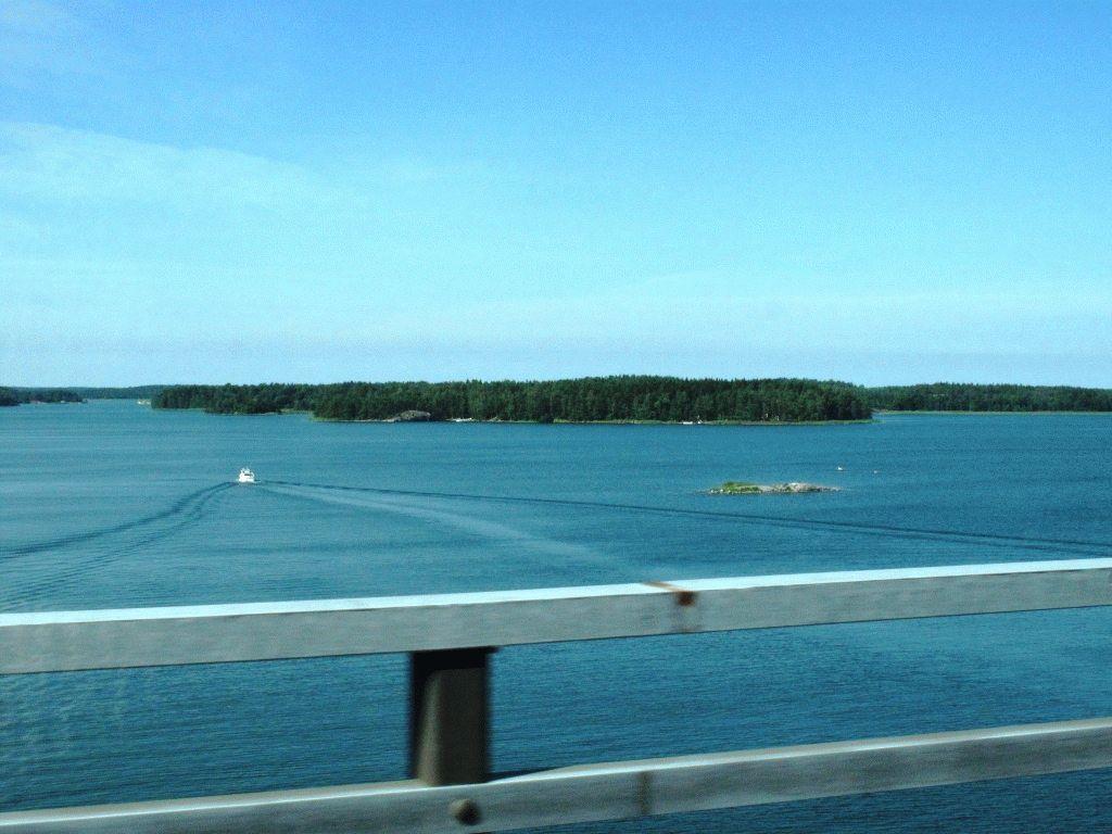 вид с моста остров Парайнен фото