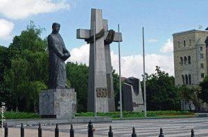 памятник  Солидарности Познань фото