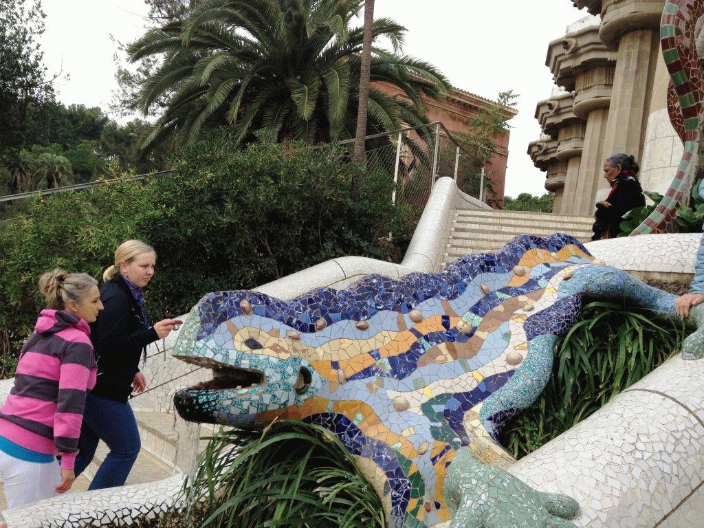 ящерица в парке Гуэль Барселона фото