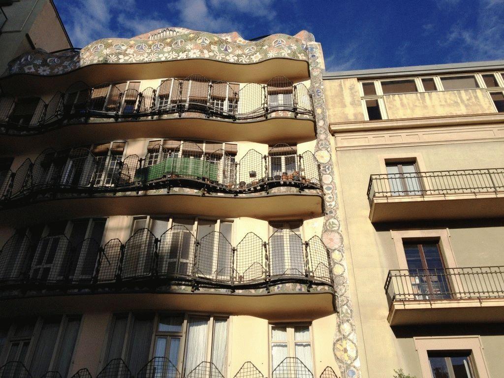 Вид на дом Бальо со двора фото