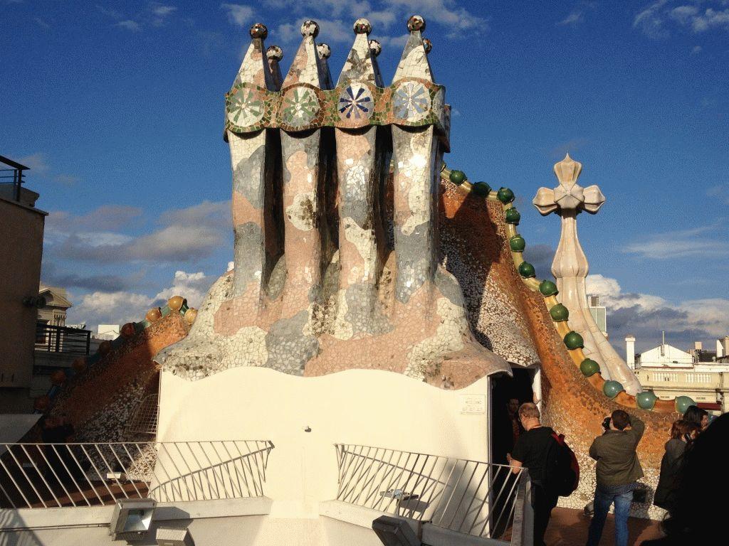 крыша дом Бальо фото Барселона Гауди