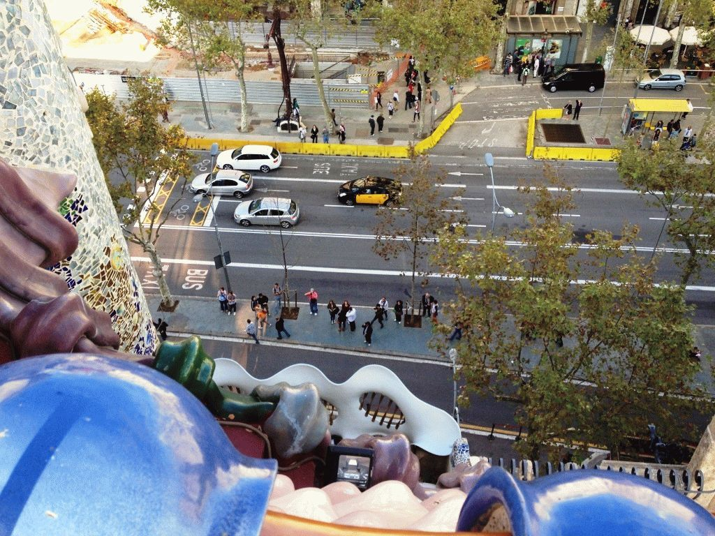 вид вниз с крыши дома Бальо фото