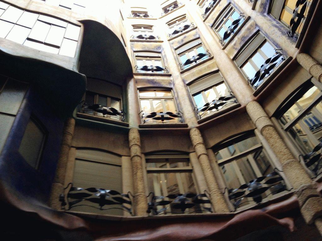 внутри дома Ла Педрера фото