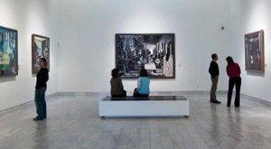 в залах музея Пикассо в Барселоне фото