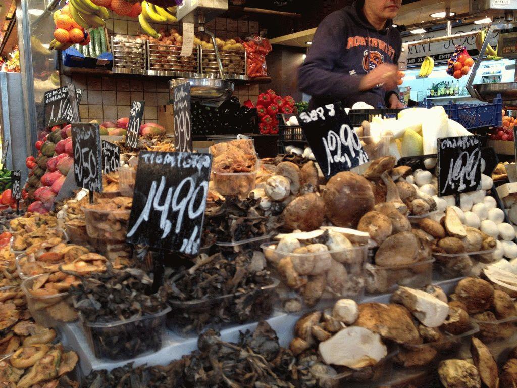 грибы на рынке Бокерия Барселона фото