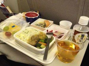 японский завтрак в самолете JAL фото