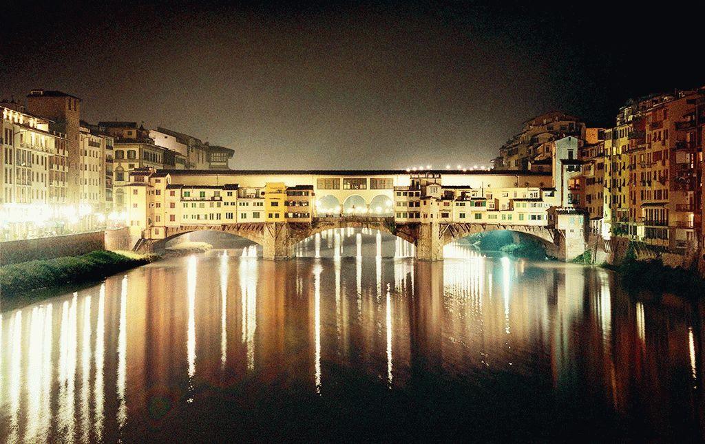Золотой Мост Флоренции вечером фото