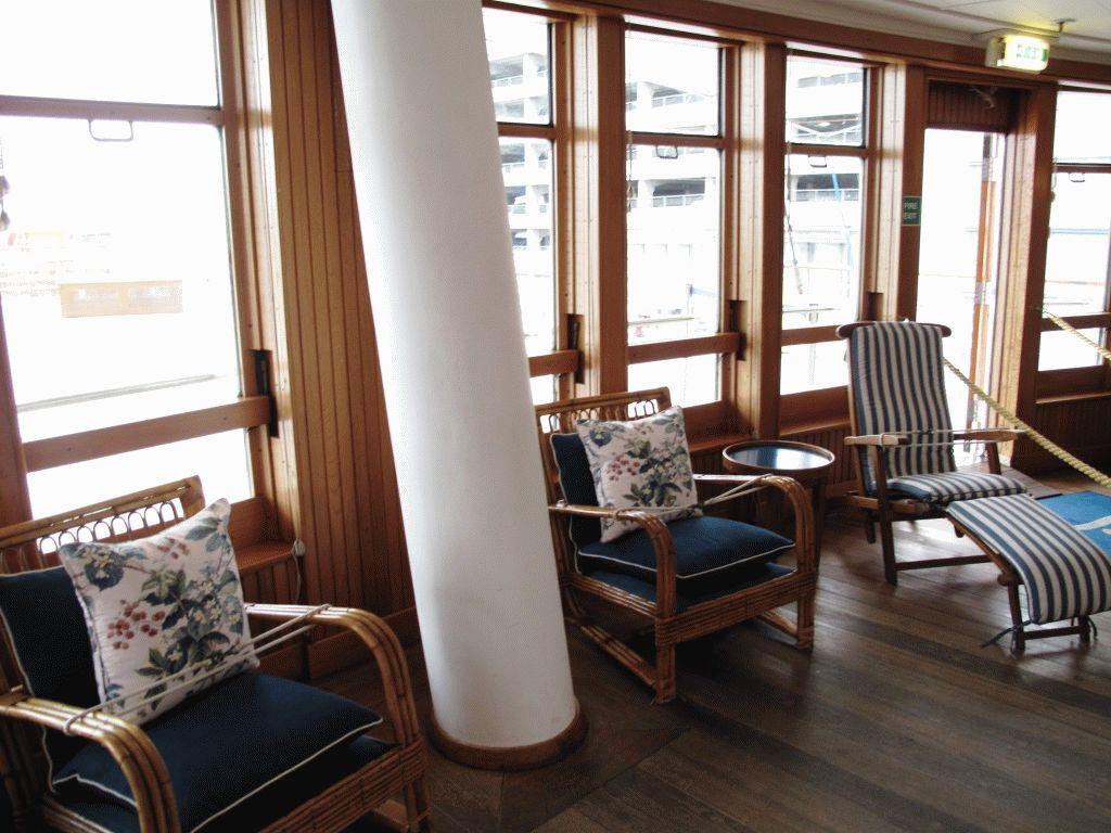 фото комната яхта британния эдинбург